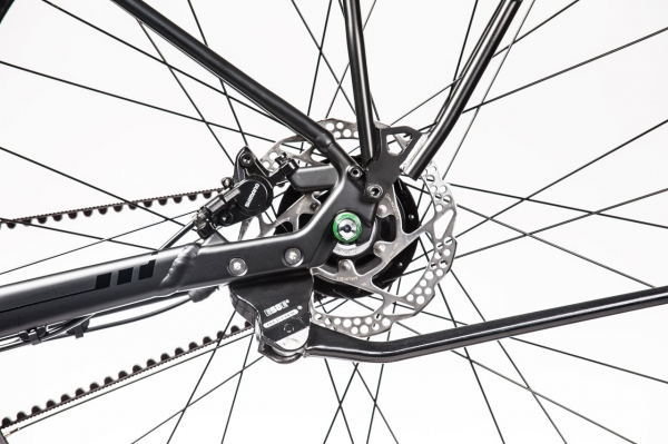 3D forged dropouts with integrated post mount disc brake mounts, rear-mounted kickstand attachment, and dual eyelets for quick and easy fender and rack mounting.